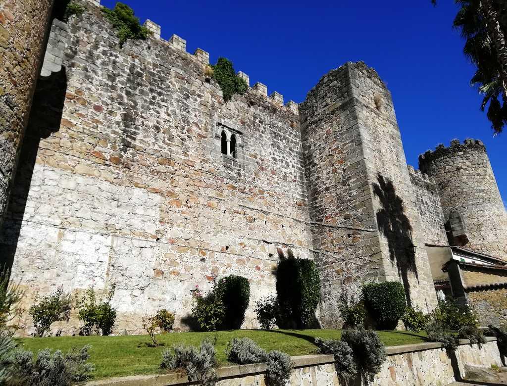 El castillo del Condestable Dávalos es uno de los sitios que ver en Arenas de San Pedro.
