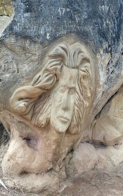 El gran compositor Beethoven petrificado en la roca caliza de Buendía.