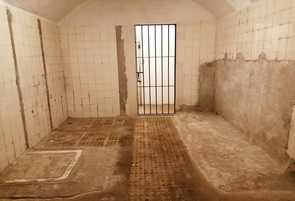 En esta estancia se encontraban las letrinas del búnker de la Posición Jaca.