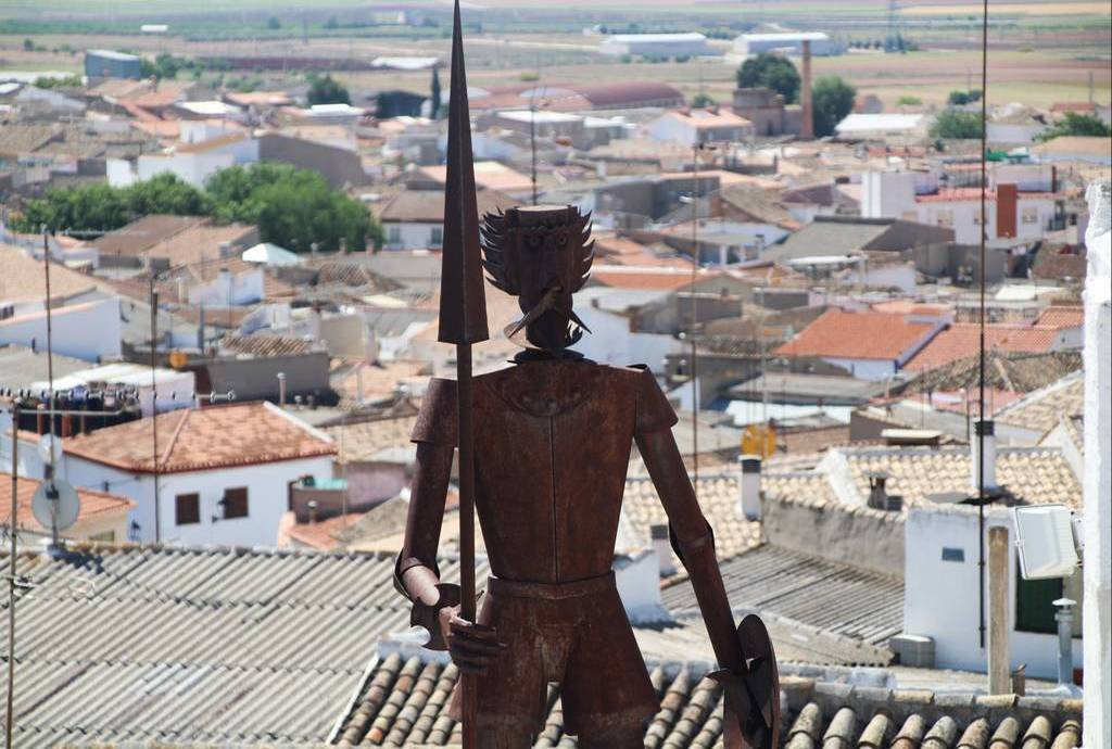 Los molinos de viento de Campo de Criptana es una visita que te recomiendo en Ciudad Real.