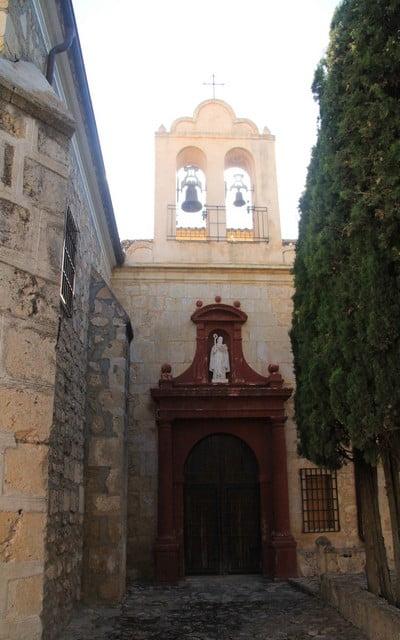 La Comunidad de Monjas Franciscanas Clarisas fue reconstruido entre 1973 y 1976.