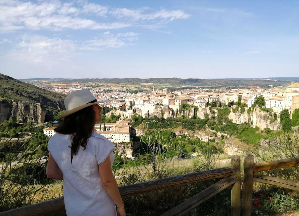 El mirador del Barrio del Castillo es uno de mis preferidos que ver en Cuenca en dos días.