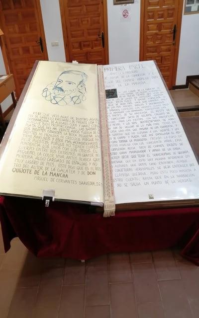 El Quijote más grande del mundo se encuentra en el Museo Cervantino de El Toboso.