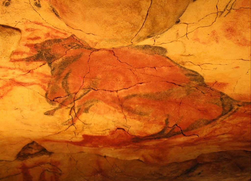 En los grabados y pinturas utilizaban el negro, rojo y ocre.
