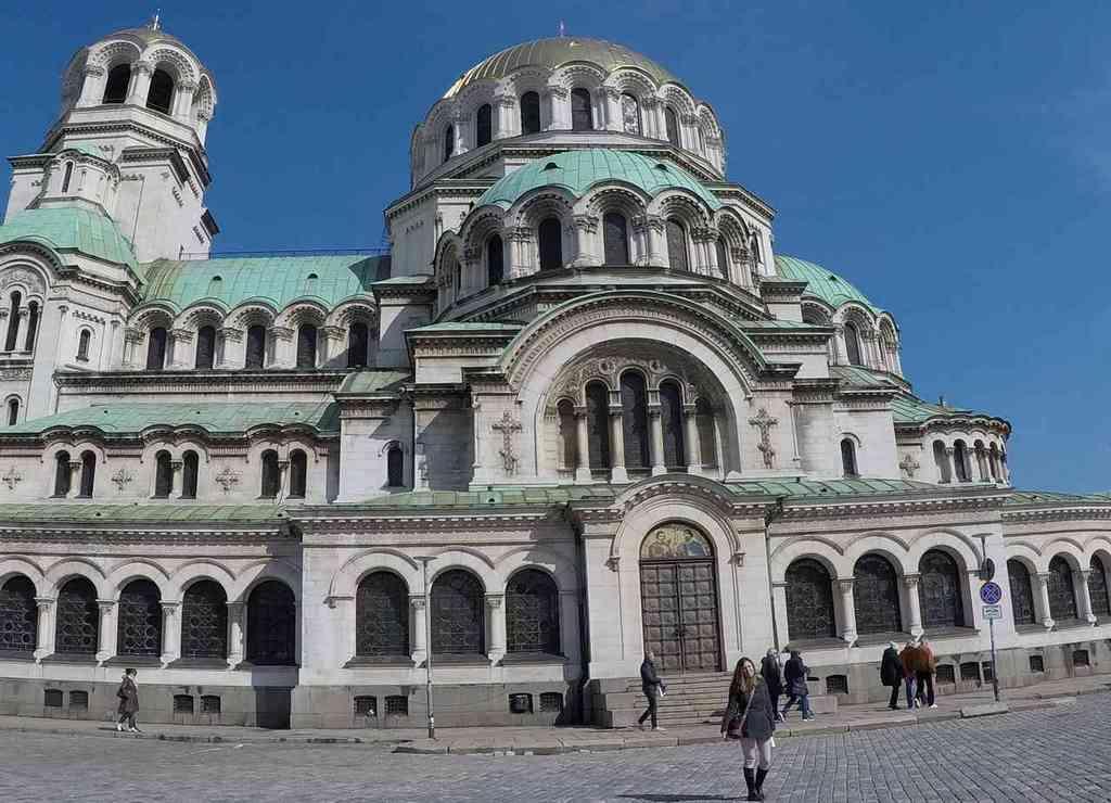 La Catedral de Alexander Nevski es el templo ortodoxo más importante que ver en Sofía en dos días.