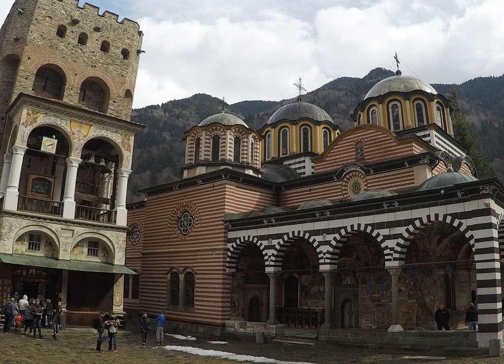 La Iglesia de la Natividad es el edificio más imponente que ver en el Monasterio de Rila.