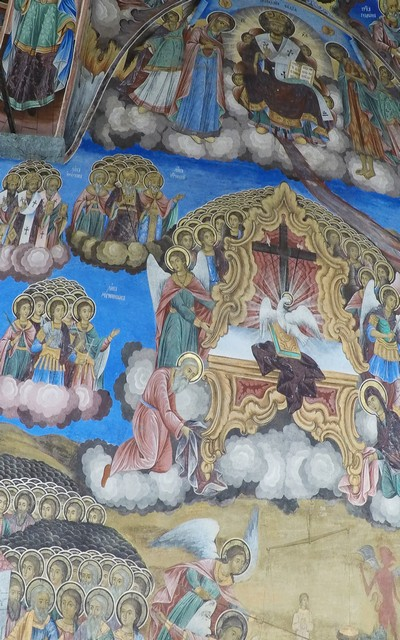 Frescos en los que aparecen representados pasajes bíblicos de escenas celestiales.