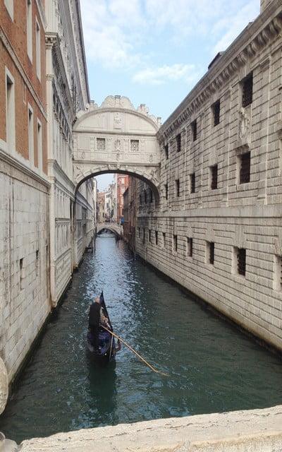 Qué ver en Venecia en un día: Puente de los Suspiros.