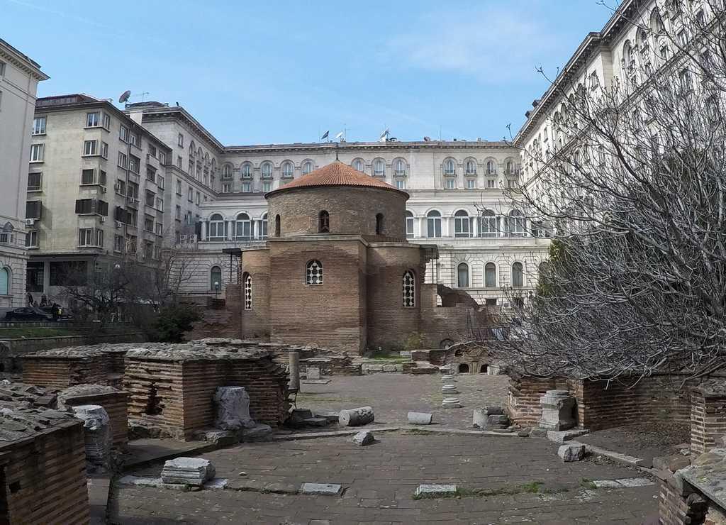 La Rotonda de San Jorge es, en mi opinión, uno de los sitios más curiosos de la capital búlgara.