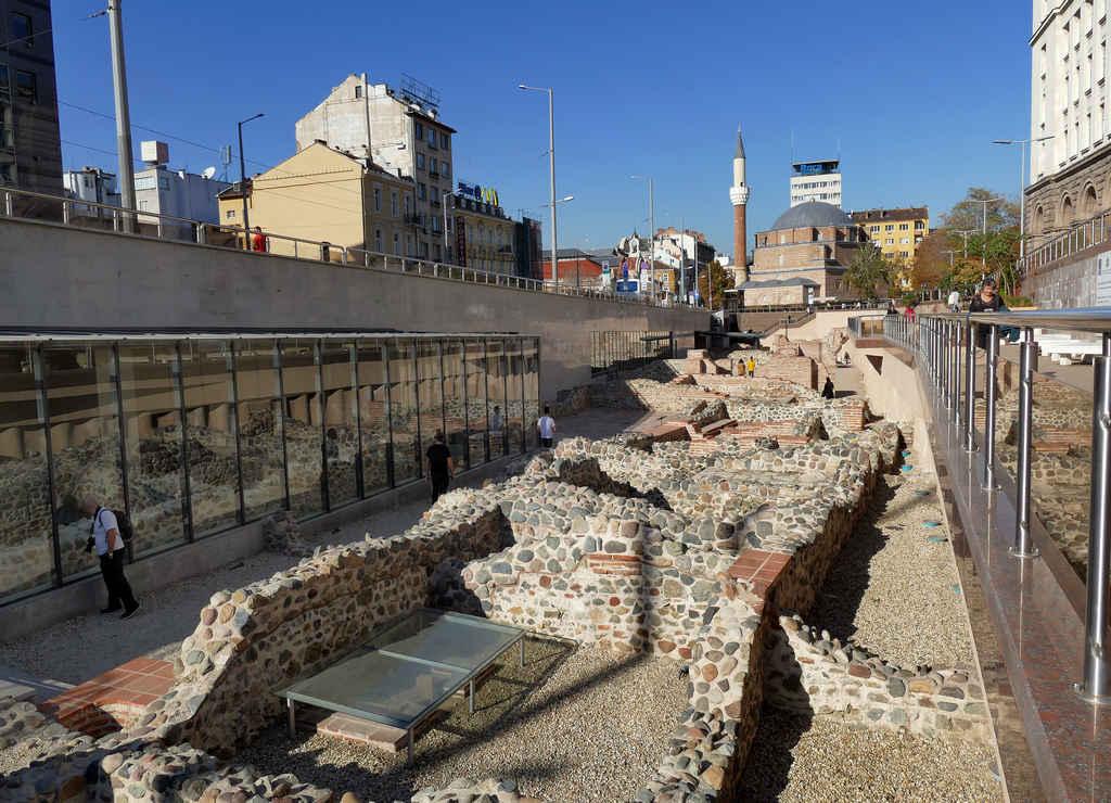 Qué ver en Sofía en un día: ruinas romanas de Serdica.